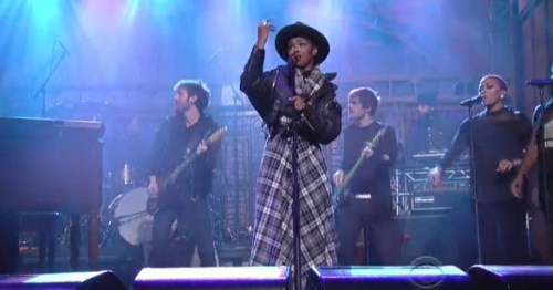 LAURYN HILL Laced LETTERMAN Stage in First Televised Performance in Three Years