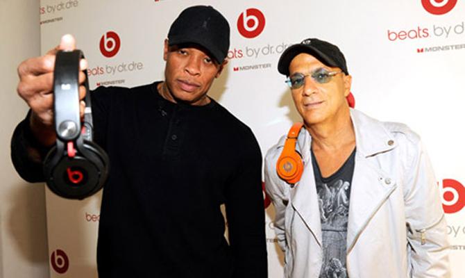 The APPLE of His Eye: Rapper & Super Producer DR. DRE Cuts $3.2 Million Dollar Deal Making Him First Rap Billionaire