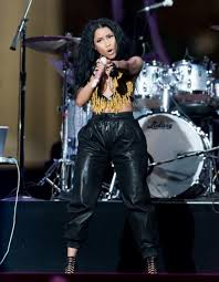 "NICKI MINAJ To Slither Across Stage of VMA's To Perform ""Anaconda"""
