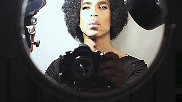 PRINCE Shows Us How a 'Selfie' Is To Be Shot, Breaks SNL Record, Drops New Music…….On the Net