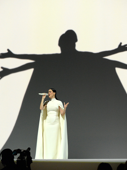 GRAMMYs Highlights MADONNA (moons us), SAM SMITH (reminds us to be ourselves), PHARRELL (totally put off by TAYLOR's inner hood chick) KANYE (fourfiveseconds from wildin' on BECK), PRINCE (reminding us to quit selling ourselves), MILEY & KATY (comparing boob sizes) & MORE!