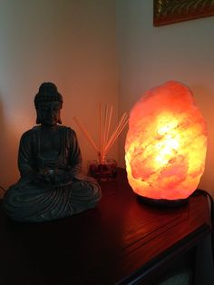 Himalayan Salt Lamps To IMPROVE MENTAL CLARITY, SLEEP CYCLES and More: Would You Try Them ...