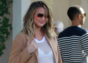 CHRISSY TEIGEN Takes On Haters At @GMA in Figure-Flattering Popover Top in Green! Get This Look in Royal Blue!